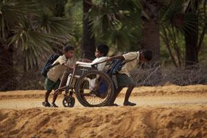 Samuel et ses deux frères en Inde