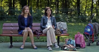 Emmanuelle Devos et Helena Noguerra dans La vie domestique