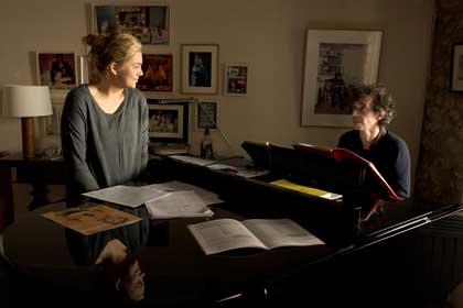 Louane Emera et Eric Elmosnino dans La famille Bélier