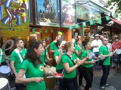 Ambiance brésilienne de folie à l'Etoile Cosmos de Chelles pendant la Coupe du monde de football