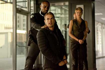 Theo James (Four) et Shailene Woodley (Tris) dans Divergente2