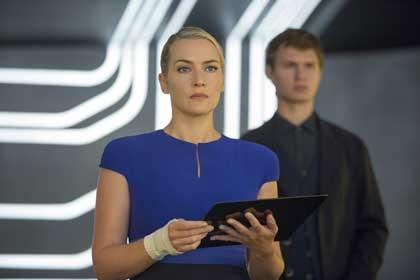 Kate Winslet (Janine) dans Divergente 2