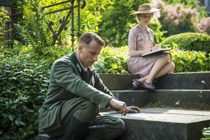 Matthias Schoenaerts et Michelle Williams dans Suite Française de Saul Dibb
