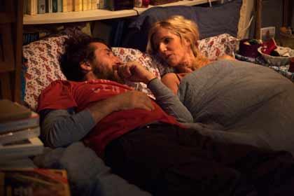 Edouard Baer et Sandrine Kiberlain dans Encore heureux