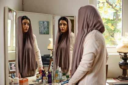 Sareh Bayat dans Nahid d'Ida Panahandeh