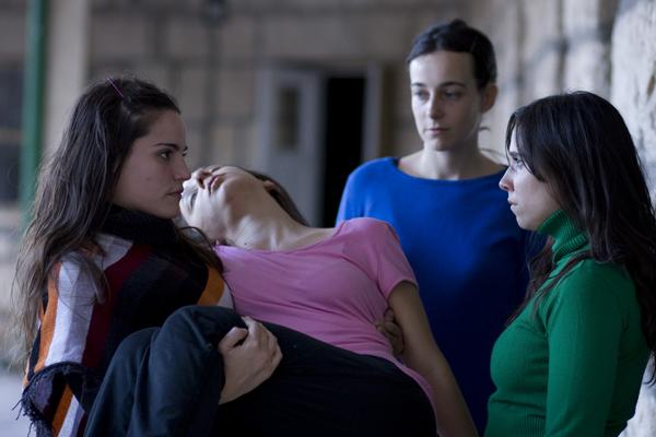 La Flor de Mariano Llinas- cine-woman