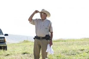 Bob (Beau Brigdes) le sheriff corrompu dans Eden