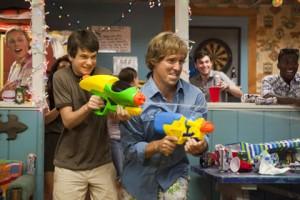 Duncan (Liam James) et Owen (Sam Rockwell) dans Cet été-là