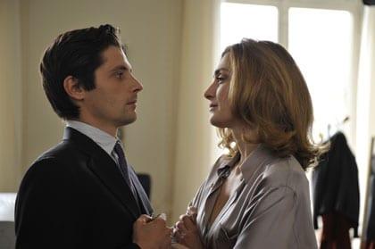 Raphaël Personnaz face à Julie Gayet dans Quai d'Orsay