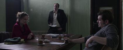 Kim Vercoe au poste de police, avec Boris Isakovic et Sasa Orucevic