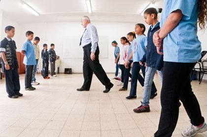 Dancing in Jaffa : Pierre Dulaine entre garçons et filles