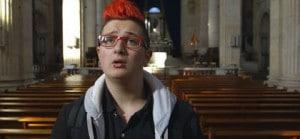 Alex à l'église