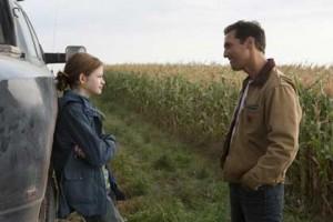 Mackenzie Foy (Murphy) et Matthew McConaughey (Cooper), père et fille
