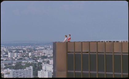 Les deux filles en haut des tours Mercuriales