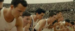 Louis Zamperini (Jack O'Connell), le troisième en partant de la gauche aux JO de Berlin en 1936