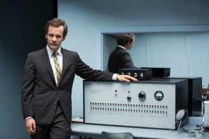 Peter Saarsgaard est Stanley Milgram dans Experimenter
