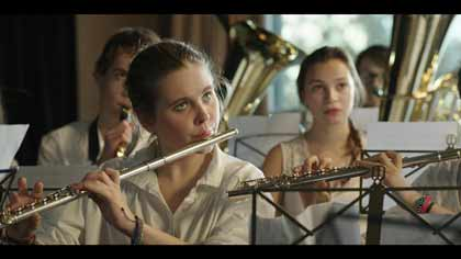 Liv Henneguier (Rose) dans Crache coeur