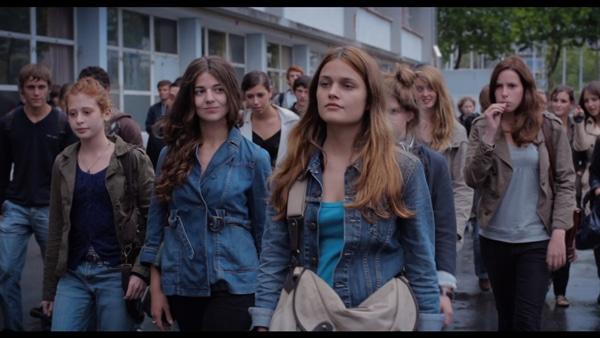 17 filles de Delphine et Muriel Coulin