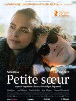 https://www.cine-woman.fr/wp-content/uploads/2021/09/PETITE-SOEUR_affiche-03-09-scaled-1.jpg